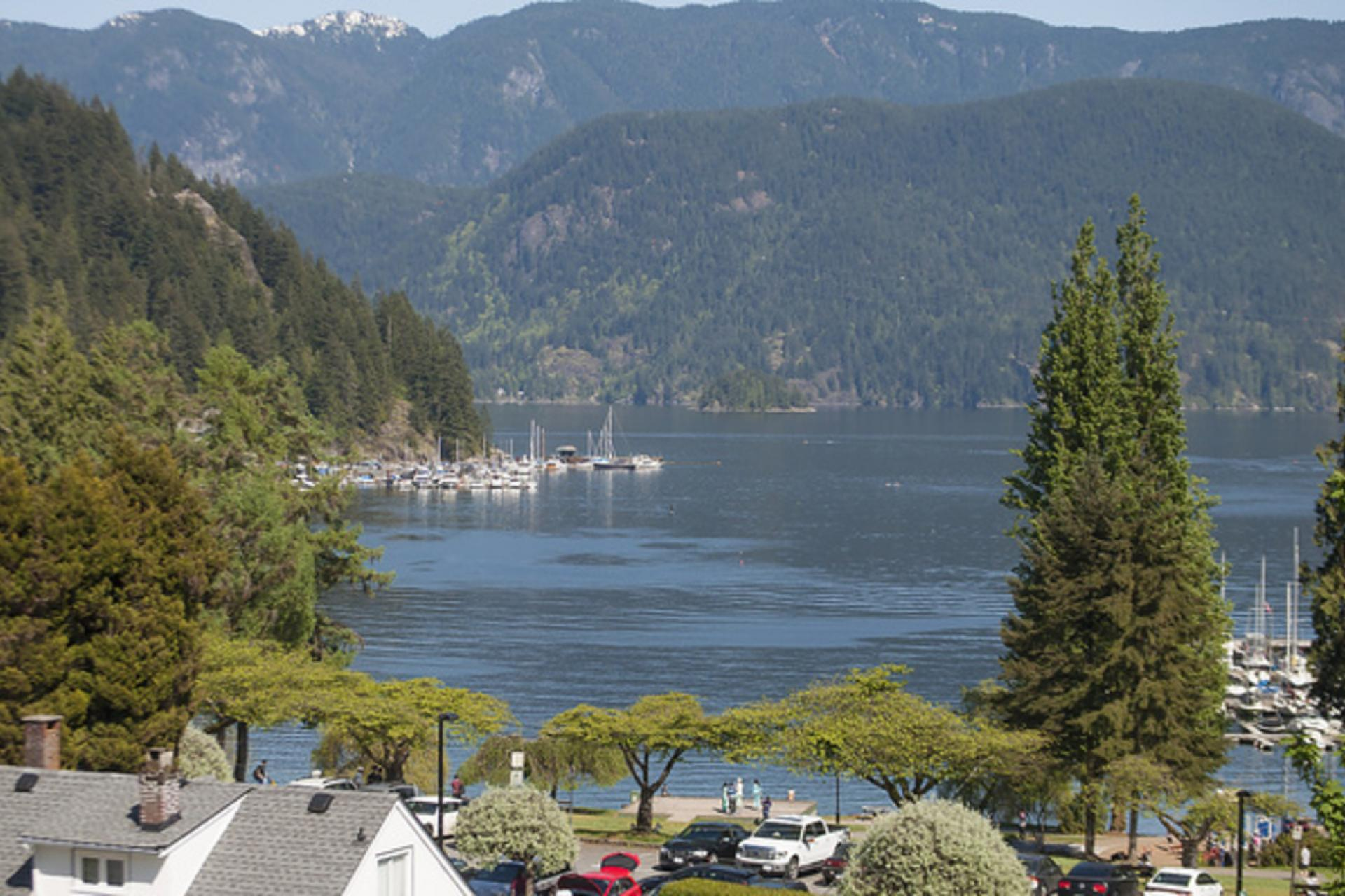 2222 Caledonia Avenue, Deep Cove, North Vancouver