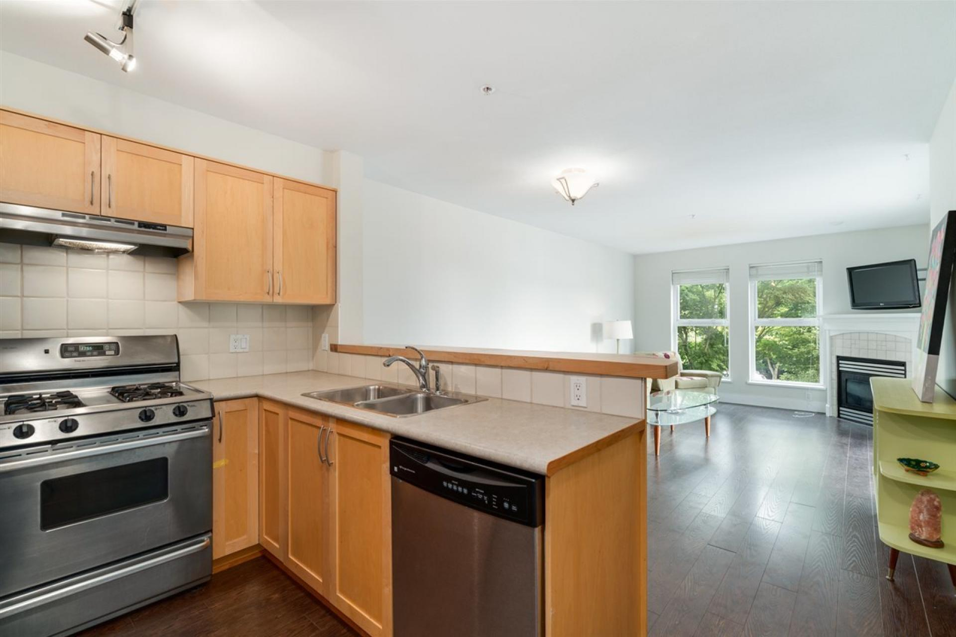 204 - 1858 W 5th Avenue, Kitsilano, Vancouver West